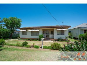 6 Gross Avenue, Umina Beach  NSW  2257